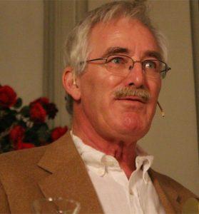 Torstein Bugge Høverstad trakk frem høydepunkter og veiskiller i foreningens historie.