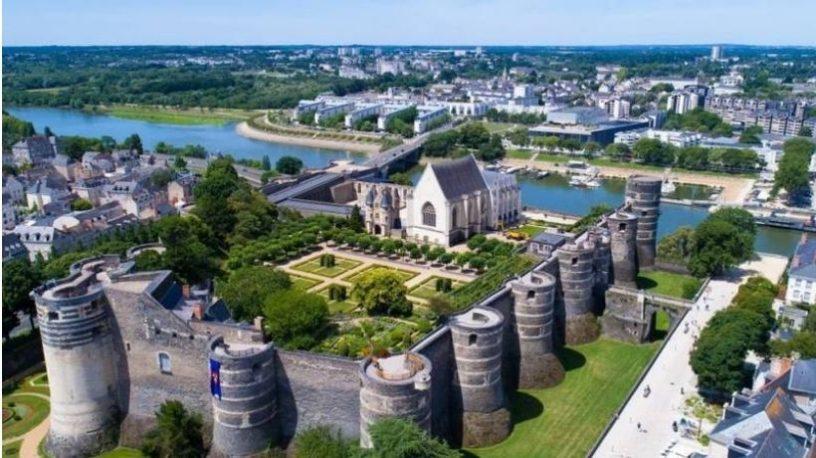 Château d'Angers sett fra luften.foto