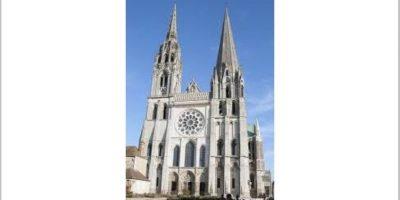 Katedralen i Chartres fasade.foto