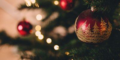 Juletre med julekuler