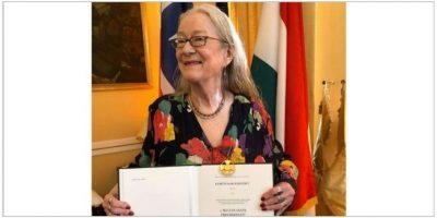 Kari Kemeny med medalje.foto